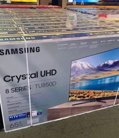 Photo 65 Samsung smart crystal led uhd hdr tv 8 series - $275 (Las Vegas)