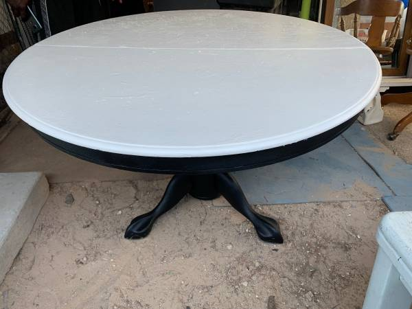 Photo Black  White Round Pedestal Dining Table w Glass Top - $150 (Sahara  Eastern)