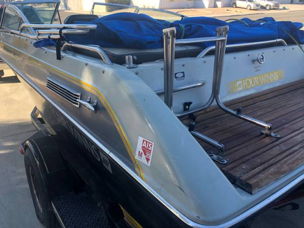 Photo Boat Four Winns 180 Horizon FRESH 4.3 - $2,800 (Las Vegas)