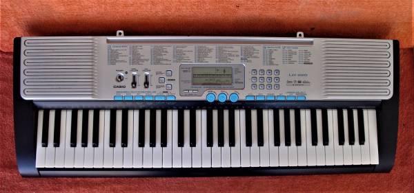 Photo Casio Keyboard LK-220 - $50 (Las Vegas)