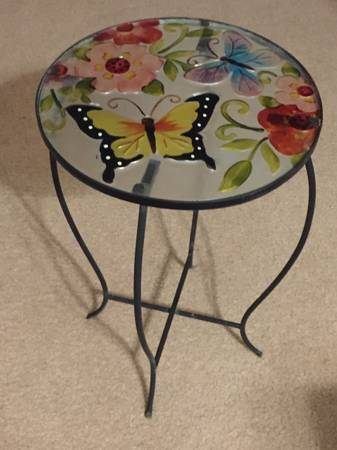 Photo Decorative Patio Side Table - $7 (Las Vegas)