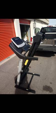 Photo Golds Gym Treadmill Free Delivery - $259 (Las Vegas)