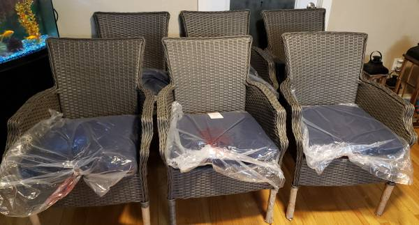 Photo Grayson Ash Gray Wicker Outdoor Patio Dining Chairs Midnight Navy Blue - $490 (4375 N Pecos Rd 89030)