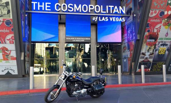 Photo Harley davidson Dyna Super Glide LOW MILES - $11,500 (Las Vegas)
