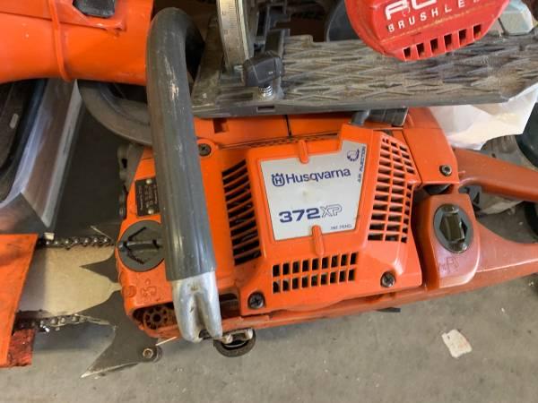 Photo Husqvarna chainsaw 372xp great condition - $475