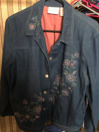 Photo Jean Jacket Embroidered Alfred Dunner - $50 (NW Las Vegas)