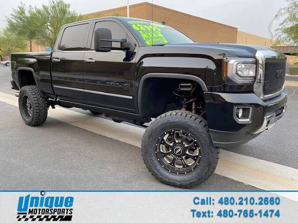 Photo LIFTED LOW MILES (30K) 2015 GMC 2500 DENALI CREW CAB 4X4 SHORT BED - $62,995