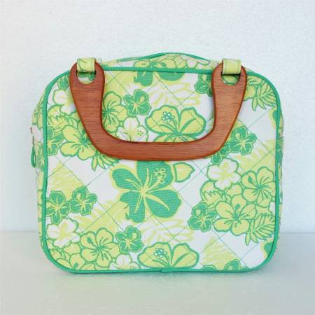 Photo NEW Larkspur Hand BagPurse Green Yellow and White Spring Floral Print - $25 (W Horizon Ridge Pkwy and S Gibson Rd)