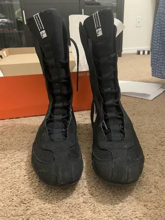 Photo Nike Machomai Hi boxing boots mens size 8women size 9.5 - $100 (Warm Springs Rd  Buffalo Dr)