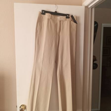 Photo Now ReducedNWT Elie Tahari Dress Pants Size 12 - $20 (Las Vegas)
