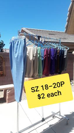 Photo QUALITY WOMEN39S ALFRED DUNNER and BONWORTH PULL-ON PANTS (18-20P) $2 e - $2 (East Las Vegas)