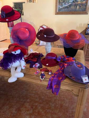 Photo Red Hat Glam - $100 (Centennial Hills)