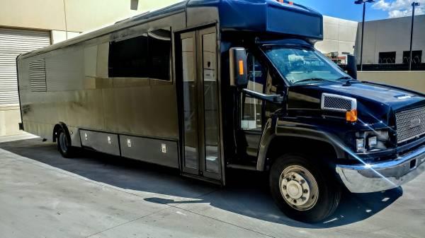Photo Shuttle Bus RV Conversion Project - $20,000 (Las Vegas)