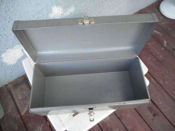 Photo Toolbox, Craftsman, Sears, all metal - $15 (Las vegas, Nevada.)