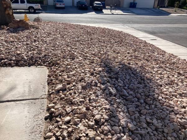 Photo free landscaping rock 3-4 (Las Vegas)