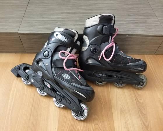 Photo roller blades size 3-6 - inline skates rollerblades - $25 (green valley)