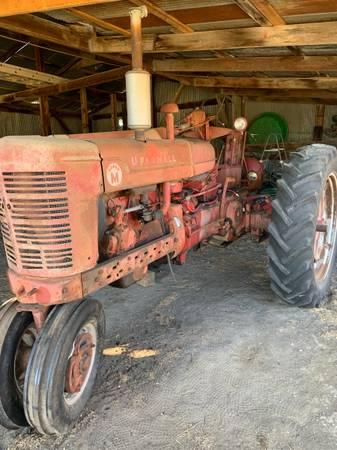 Photo 1953 Farmall Super M - $1,800 (Lawrence)