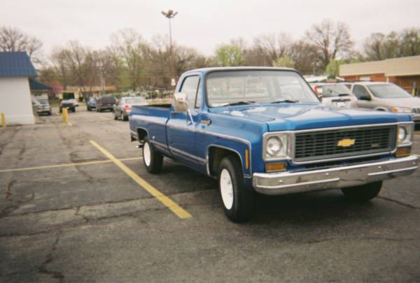 Photo 1973 Chevy C20 Classic - $12,000 (Lawrence)