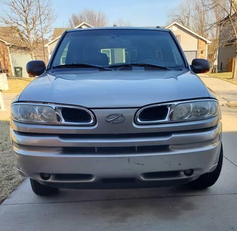 Photo 2003 Oldsmobile Bravada - $2800 (Lawrence)