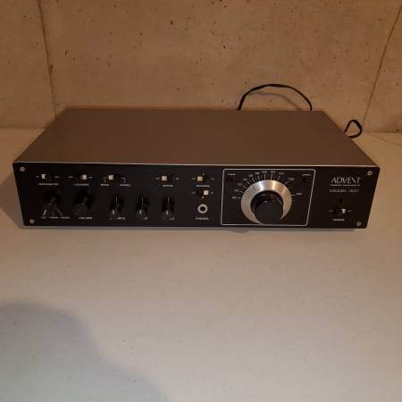 Photo Advent 300 Receiver - Great Phono Stage - Can be used as pre - $175 (Lawrence)