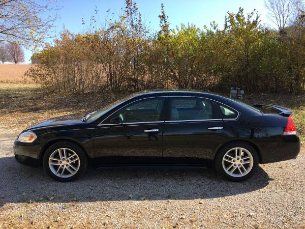 Photo CHEVY IMPALA 2012 LTZ BLACK RUNSDRIVES GREAT CLEAN AND DEPENDABLE - $5,500 (SW TOPEKA)