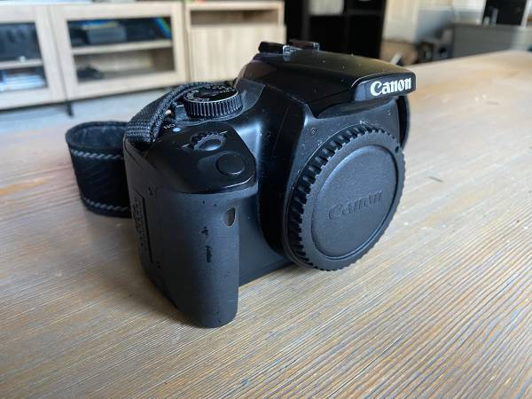 Photo Canon Rebel XTi DSLR Camera Body - $70 (Lees Summit)