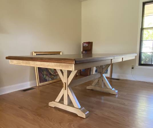 Photo Courtdale Butterfly Leaf Rubberwood Solid Wood Dining Table - $655 (Lawrence, KS)