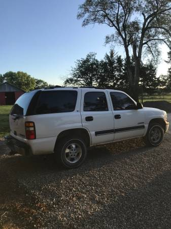 Photo MAILPOSTAL DELIVERY VEHICLE RHD 2000 CHEVY TAHOE 4X4 - $5000 (Oskaloosa)