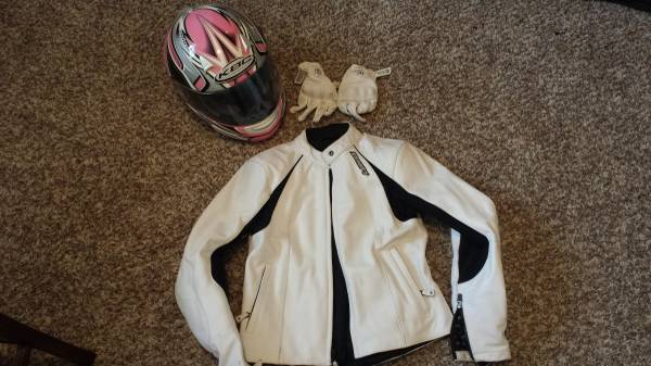 Photo Women39s Motorcycle Gear - $75 (Prairie Park)