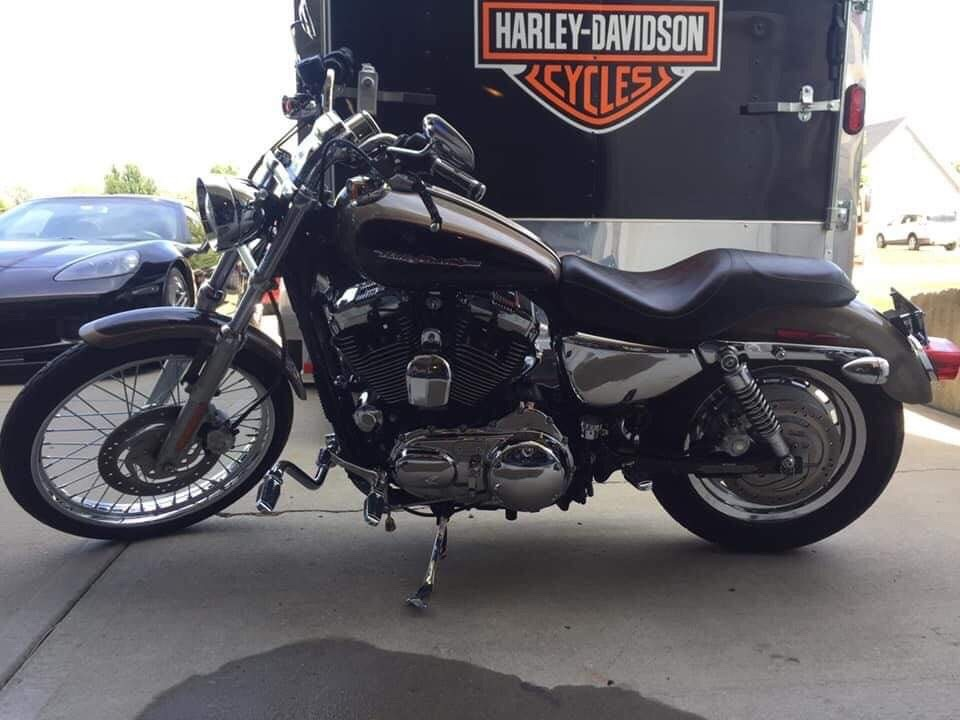 Photo 2004 Harley-Davidson SPORTSTER 1200 CUSTOM $113.85113.85