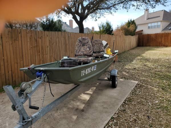 Photo 1239 Jon Boat with 6hp Johnson - $1,800 (Mansfield, TX)