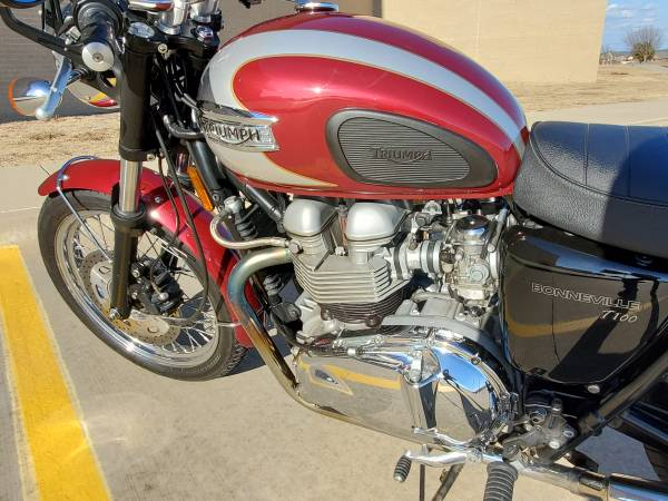 Photo 2008 Triumph Bonneville T100 - $5,300 (Mansfield)