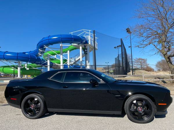 Photo 2016 DODGE CHALLENGER RT- BLACK ON BLACK W SHORT SHIFT - $25764 (PAYMENTS AS LOW AS $366 A MONTH W ZERO DOWN)