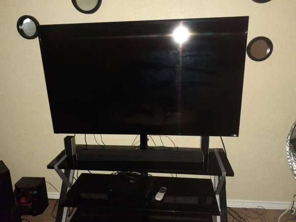 Photo 60 inch Vizio Smart with tv Stand - $650 (Lawton)