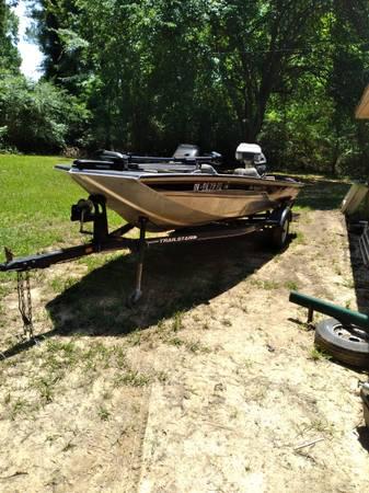 Photo Bass tracker 175 pro crappie - $6,500 (Blossom)