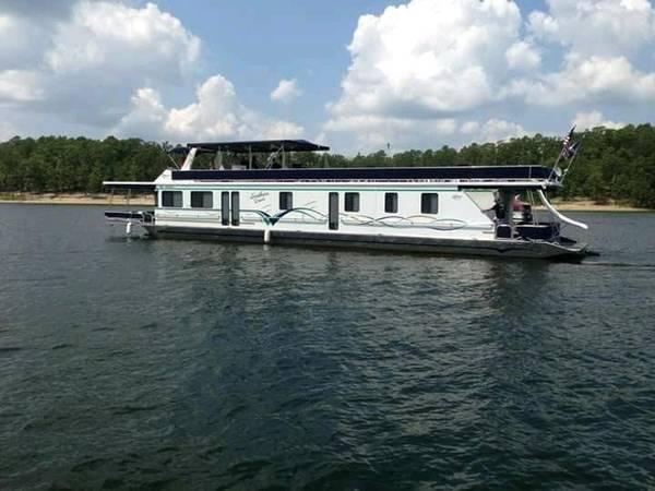 Photo Lakeview Custom Houseboat 8839x16 Widebody 4Br2Ba Large Kitchen - $255,000 (Lake Ouchita, quotSquot Dock, Mt Ida AR)