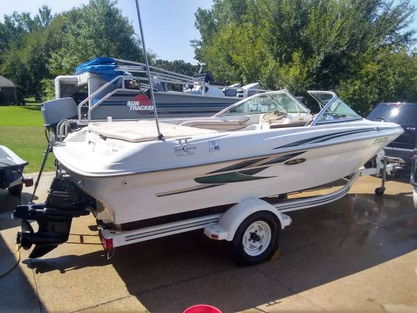 Photo SEA RAY 180 OPEN BOW SKI BOAT 3.0 MERCRUISER VERY GOOD CONDITION - $7,500 (Arcadia,)
