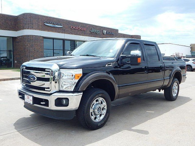 Photo Used 2016 Ford F250 4x4 Crew Cab Super Duty for sale