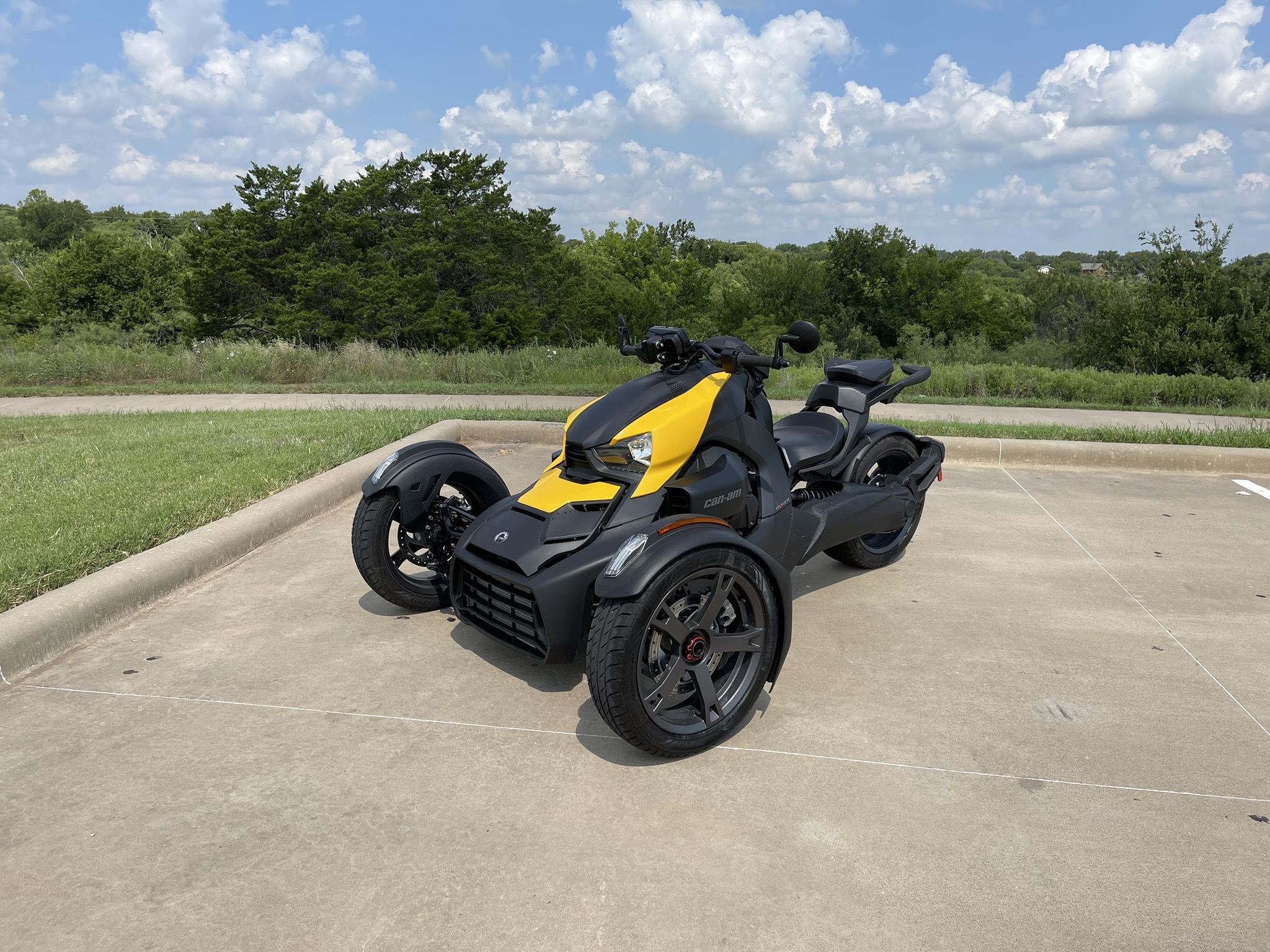 Photo Used 2021 Can-Am Trike Motorcycle  $11977