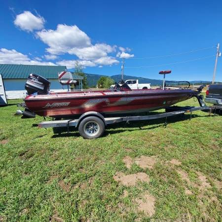 Photo 1992 Nitro bass boat - $13,500 (donnelly)