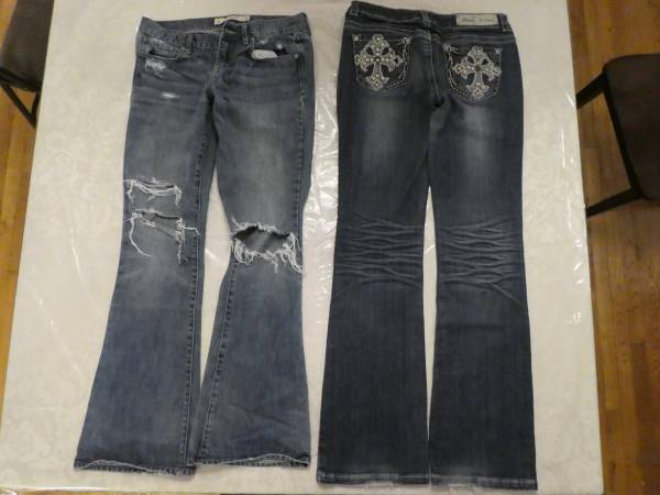Photo 2 Girls jeans Abercrombie  Fitch w28 X L33 and MISSCHIC SIZE 9 - $10 (Lewiston)