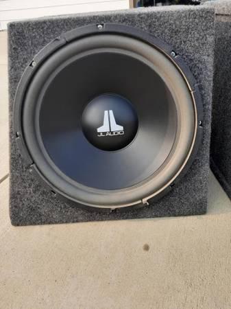Photo JL Audio 15quot w6 subwoofer in custom .75 mdf box - $200 (Grangeville)
