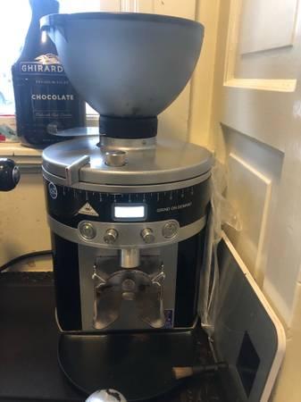Photo Mahlkonig vario K30 Espresso coffee grinder - $900 (Spokane)