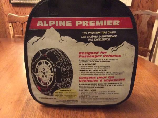 Photo Tire chains Les Schwab quick fit diamond - $40 (Cavendish)
