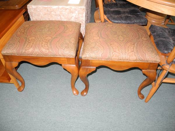 Photo Upholstered Bench with Queen Anne Legs by Thomasville $63.75 EACH