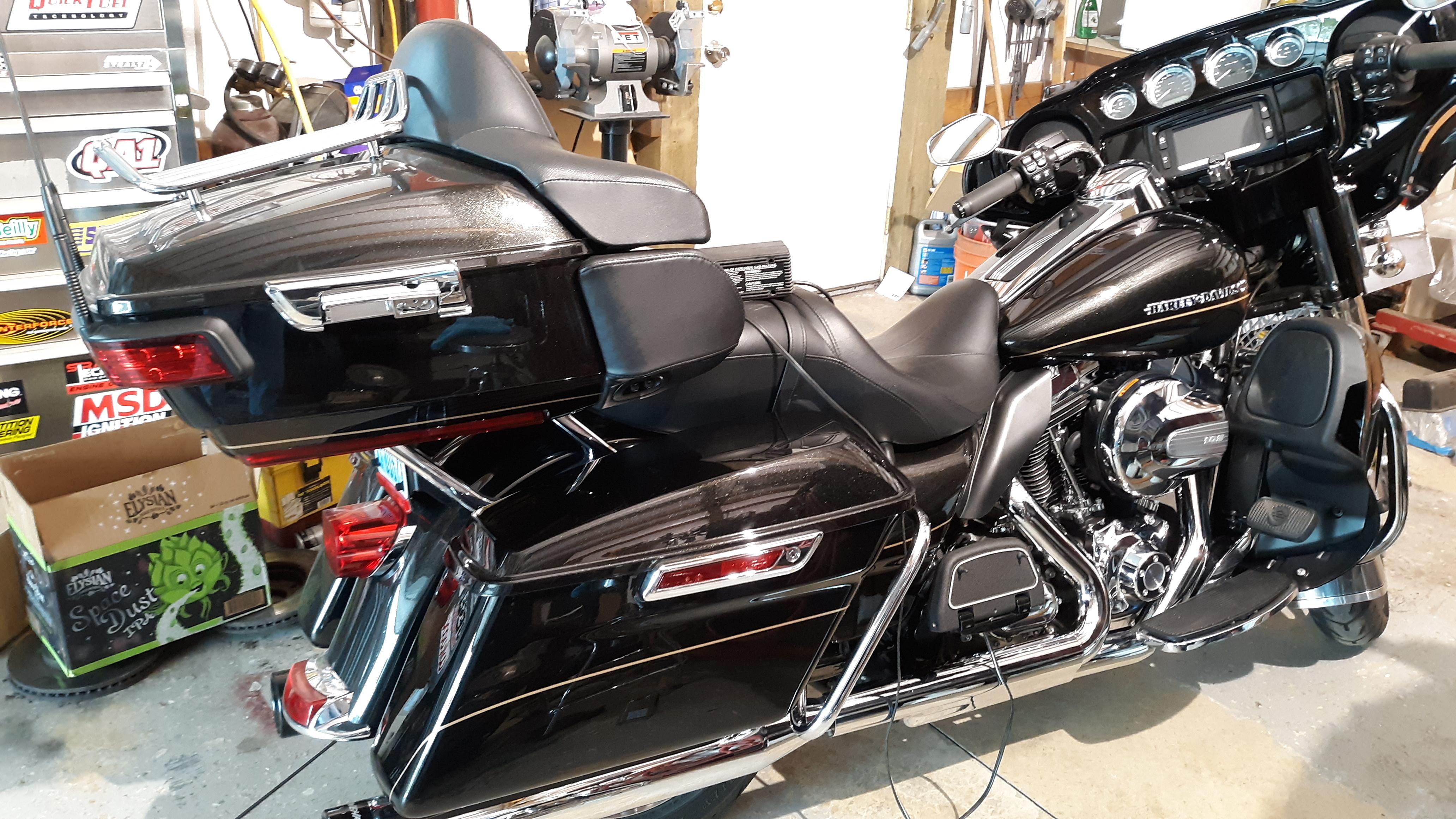 Photo 2016 Harley-Davidson TOUR GLIDE $17999332.98332.98