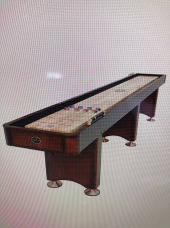 Photo 14ft Playcraft shuffleboard table - $800 (Lexington)
