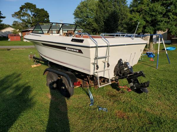Photo 1981 FourWinns 180 Marquise - $3,500 (Russell Springs)
