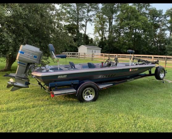 Photo 1987 Bullet Bass Boat - $6,500 (Crittenden)