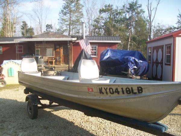 Photo 1989 lowes 14 ft aluminum vbottom boat - $575